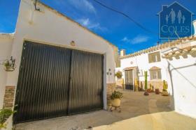 Image No.0-Maison de ville de 3 chambres à vendre à Velez-Rubio