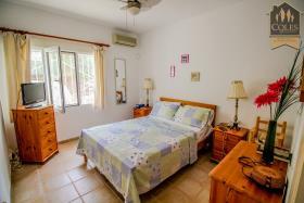 Image No.28-5 Bed Villa / Detached for sale