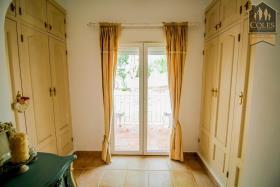 Image No.38-5 Bed Villa / Detached for sale