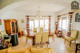 Image No.39-5 Bed Villa / Detached for sale