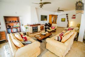 Image No.40-5 Bed Villa / Detached for sale