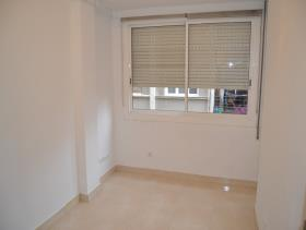 Image No.10-3 Bed Flat for sale