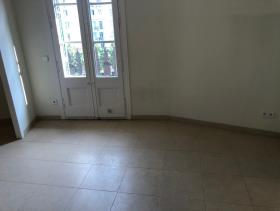 Image No.0-3 Bed Flat for sale