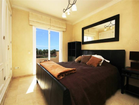 Image No.15-4 Bed House for sale