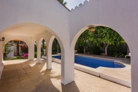 Image No.10-5 Bed Villa / Detached for sale