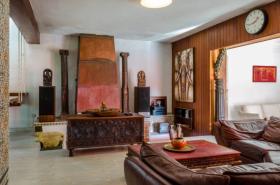 Image No.12-6 Bed Villa / Detached for sale