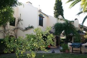 Nueva Andalucia, Villa