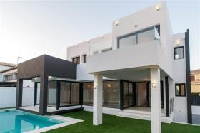 Image No.0-Villa de 5 chambres à vendre à La Cala De Mijas