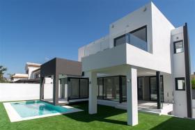 Image No.2-Villa de 5 chambres à vendre à La Cala De Mijas