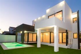 Image No.1-Villa de 5 chambres à vendre à La Cala De Mijas