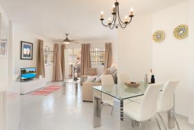 Riviera del Sol, Apartment