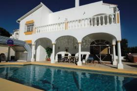 Image No.16-4 Bed Villa / Detached for sale