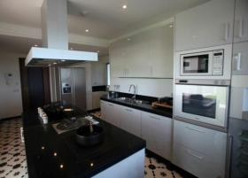 Image No.8-5 Bed Villa / Detached for sale