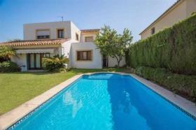 Image No.15-4 Bed Villa / Detached for sale