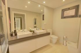 Image No.6-Appartement de 2 chambres à vendre à Estepona