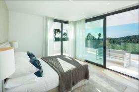 Image No.5-6 Bed Villa / Detached for sale