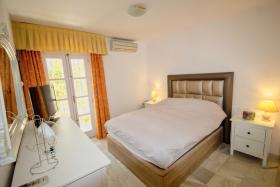 Image No.8-Maison de ville de 2 chambres à vendre à Mijas