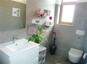 Image No.6-Maison de 5 chambres à vendre à Nadadouro