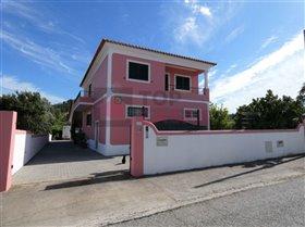 Rio Maior, House