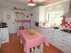 Image No.8-Maison de 4 chambres à vendre à Usseira