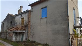 Image No.2-Villa / Détaché de 4 chambres à vendre à Casoli