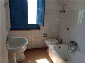 Image No.10-Villa / Détaché de 4 chambres à vendre à Casoli