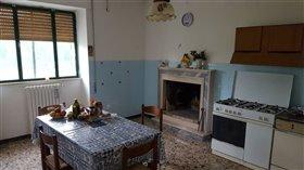 Image No.4-Villa / Détaché de 4 chambres à vendre à Abruzzes