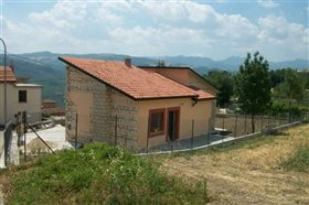 Image No.0-Villa / Détaché de 3 chambres à vendre à Civitella Messer Raimondo