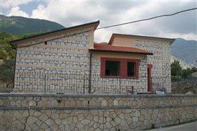 Image No.1-Villa / Détaché de 3 chambres à vendre à Civitella Messer Raimondo