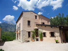 Image No.0-Villa / Détaché de 5 chambres à vendre à Civitella Messer Raimondo