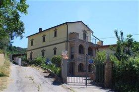 Image No.1-Villa / Détaché de 4 chambres à vendre à Palombaro