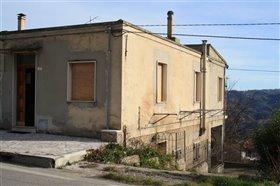 Image No.2-Maison de 3 chambres à vendre à Abruzzes