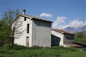 Image No.2-Villa / Détaché de 4 chambres à vendre à Roccascalegna