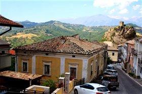 Image No.1-Maison de 4 chambres à vendre à Roccascalegna