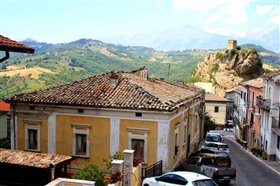 Image No.5-Maison de 4 chambres à vendre à Roccascalegna