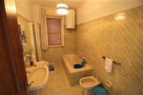 Image No.18-Maison de 4 chambres à vendre à Rapino