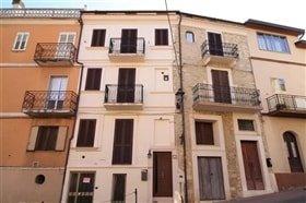 Image No.0-Maison de ville de 3 chambres à vendre à Palombaro