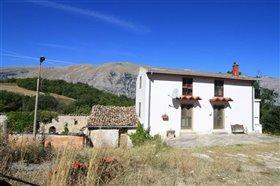 Image No.5-Villa / Détaché de 3 chambres à vendre à Torricella Peligna