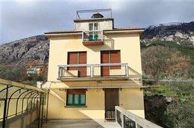 Image No.0-Maison de 4 chambres à vendre à Abruzzes