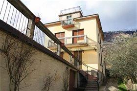 Image No.2-Villa / Détaché de 4 chambres à vendre à Abruzzes