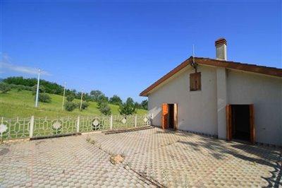 abruzzo-property1957