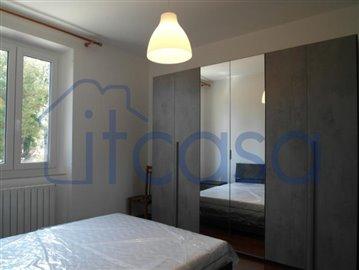19-07-26-CM142-bedroom2