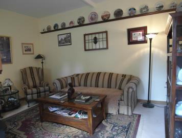 21-06-10-M172-lounge3