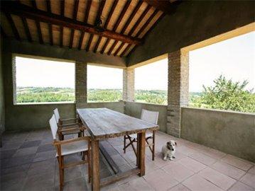 Casale Fiordaliso - The portico