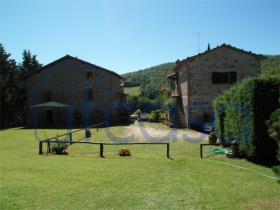 Image No.26-7 Bed Farmhouse for sale