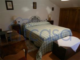 Image No.10-7 Bed Farmhouse for sale