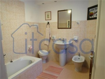 4-17.03.14 Pisani Barbacciani - bathroom 2