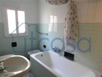 9-17.06.12 Appartamento Garibaldi - bathroom