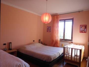 CM215-bedroom1