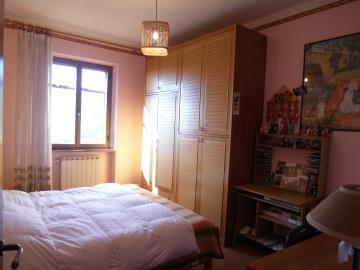 CM215-bedroom2